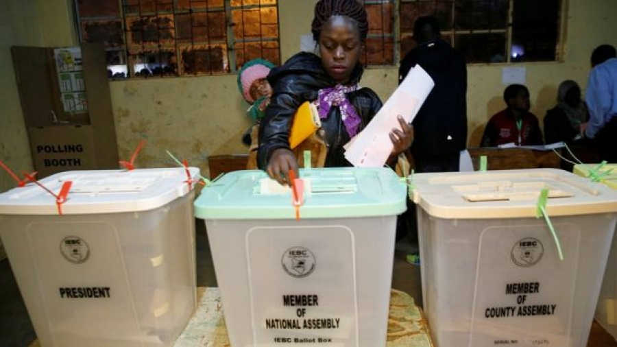 Kenya election 2017: President Kenyatta urges peaceful vote
